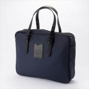 メイド・イン・パリのビジネスバッグ